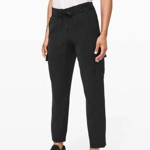 Lululemon ready set cargo pants size 8 EUC black